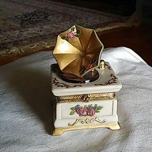 Darling trinket box, old phonograph look